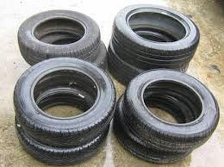 pneu voiture sans permis pneu 145 80 r10 10 pouces pneumatique voiture sans permis pneu 145 60. Black Bedroom Furniture Sets. Home Design Ideas